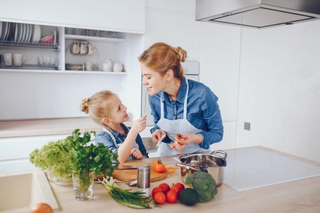 Νο 24 Μύθοι-Αλήθειες-διατροφή παιδιών